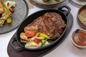 台北花園大酒店 牛排龍蝦饗時光 碳烤肋眼牛排佐菌菇醬